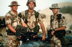 Army soldiers from the Air Defense Artillery Brigade during the Gulf War Members of Btry. A, Air Defense Arty., hold an Stinger portable missile launcher as they pose for a photograph during Operation Desert Shield. Operation Desert Shield, Battle Dress, Military Weapons, Military Uniforms, Army Uniform, Military Men, Military Fashion, My War, Military Camouflage