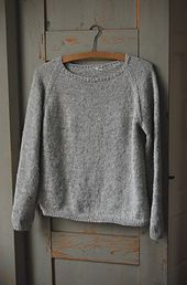 Silk Gray Pullover By Gralina Frie - Free Knitted Pattern - (ravelry) Jumper Patterns, Sweater Knitting Patterns, Knit Patterns, Hand Knitting, Knitting Machine, Cardigan Pattern, How To Purl Knit, Grey Pattern, Pulls