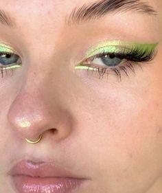 Makeup Eye Looks, Creative Makeup Looks, Eye Makeup Art, Cute Makeup, Pretty Makeup, Skin Makeup, Beauty Makeup, Edgy Makeup, Indie Makeup