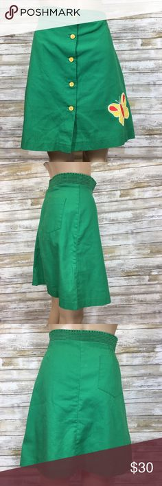 """Vintage Oh So 70's Green Butterfly Skorts I have this sudden urge to wear a high pony and roller skates.  And with these, if you take a nose dive on your skates, no one is going to see your knickers!  Size 15/16  Brand Stonybrook.  Has a button and zipper fly. Back pocket. Condition: elastic is no good, a small pull on the front, light spot on back and one little separation of the seam on the thigh. Please see photos.  Measurements (flat): Waist: 16"""" Hips: 18"""" Bottom hem: 24"""" Waist to…"""