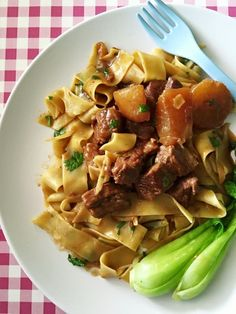 Singapore Home Cooks: Braised beef brisket 牛腩麵 by Rontree Chan‎
