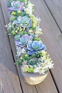 How to make a succulent garden planter - faux succulent plants (Diy Garden Planters) Artificial Succulents, Faux Succulents, Faux Plants, Artificial Grass Ideas Small Gardens, Artificial Flowers Outdoors, Artificial Flower Arrangements, Succulent Gardening, Garden Planters, Planting Succulents