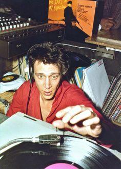 zombiesenelghetto: Richard Hell, DJing at the Mudd Club NYC, circa 1981