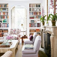 Home Tour: A Young Designer's Chic Pre-War Apartment Modern meets classic and traditional in this living room with lots of bookshelves // Lauren McGrath's New York apartment Classic Interior, Home Interior, Interior Design, Luxury Interior, Apartment Interior, Mansion Interior, Interior Architecture, Design Salon, Home Design