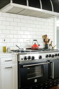 """""""I am enjoying my BlueStar range immensely. After 40 years of cooking, the BlueStar's 22,000 BTU of firepower has given me the the true chef experience. I am thrilled. I have never cooked on anything like this before, and I will never go back to anything less."""" (Marc – Seattle, WA)"""