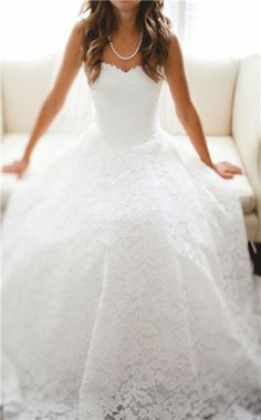 White lace ball gown, sweetheart neckline, natural waist