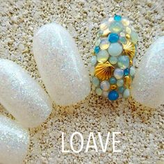 この画像は「さわやかなシェルネイルデザインで海辺の主役になっちゃお♡」のまとめの4枚目の画像です。