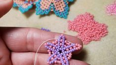Beading Projects, Beading Tutorials, Seed Bead Earrings, Seed Beads, Bead Crochet, Crochet Necklace, Beaded Jewelry Patterns, Beaded Flowers, Bead Art