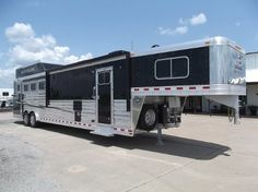 2016 Elite 4 Horse Side Load 13'8  Trail Boss Conversion Living Quarters. 8 x 33 x 7.5 Tall. Sat TV, Entertainment Center, Fold Out Couch, Fold Down Bunk w/ Doors, Corner Lounge Chair, Gooseneck Wall w/ Pocket Doors, Wood AC Cover, Ducted AC and Heat, Electric Awning, GENERATOR, Full Rear Tack, Side Ramp, Flow Thru Divider, Stud Divider, Escape Door w/ Step, Lined and Insulated Horse Area, Hay Pod, Polished Sides, Spare Tire.. Sale Price: $107,000.00