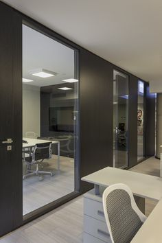 Office Design Corporate Business is unconditionally important for your home. Whether you choose the Corporate Office Design Executive or Corporate Office Design Workspaces, you will create the best Office Interior Design Ideas Modern for your own life. Law Office Design, Modern Office Design, Office Interior Design, Office Designs, Workspace Design, Office Workspace, Office Decor, Corporate Interiors, Office Interiors