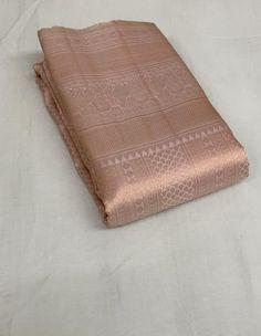 Silk Saree Banarasi, Mysore Silk Saree, Kota Silk Saree, Indian Silk Sarees, Bridal Sarees South Indian, Bridal Silk Saree, Bridal Henna, Pattu Saree Blouse Designs, Half Saree Designs