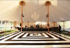 Black and White Dance Floor / Photo: The Skyline Tent Company