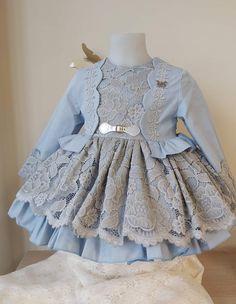 Baby Frocks Designs, Kids Frocks Design, Kids Dress Patterns, Baby Clothes Patterns, Frocks For Girls, Little Girl Dresses, Baby Girl Dress Design, Baby Dress Clothes, Kids Blouse Designs