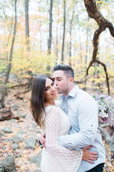 Outdoor Fall Engagement Photos in New Jersey | Myra Roman Photography | Ramapo Mountains | Reverie Gallery Wedding Blog