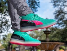 1cd1bbe70577 Puma Clyde Court Disrupt  South Beach  Ocean Drive on feet (2) Puma