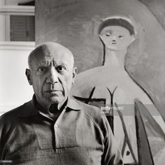 Pablo Picasso in his mansion 'La Californie' in Cannes. Photography. Frankreich. 1957. (Photo by Imagno/Getty Images) [Pablo Picasso in seiner Villa 'La Californie' in Cannes. Photographie. 1957.]