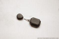 DIY Faux Cement Dangling Earrings @ mintedstrawberry.blogspot.com #DIYaccessory #DIYjewelry