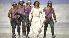 "Roman soldiers escort Ted Neeley as Jesus in the 1973 Norman Jewison film, ""Jesus Christ Superstar"" Tantra, Jesus Christ Superstar Film, Tao, Yvonne Elliman, Norman Jewison, Star Wars, Music Theater, Theatre, Still Picture"