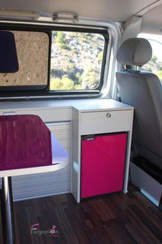 Panelados mesa y nevera. www.furgoplon.com Volkswagen, Home Appliances, Van, Fridge Cooler, Mesas, Electrical Appliances, House Appliances, Vans