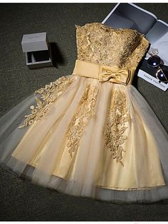 A-line Strapless Short / Mini Tulle Appliques Cocktail Homecoming Dresses