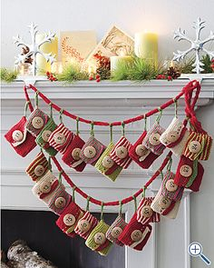 New crochet christmas garland pattern advent calendar 18 Ideas Christmas Mantels, Christmas In July, Christmas Decorations, Xmas, Christmas Tables, Nordic Christmas, Coastal Christmas, Modern Christmas, Christmas Countdown
