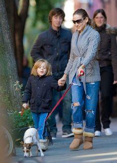 Sarah Jessica Parker paseando su peludo con su hija