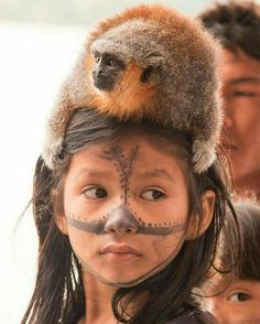Munduruku Child in Brazil Beautiful Children, Beautiful Babies, Beautiful World, Beautiful Images, Beautiful People, Cultures Du Monde, World Cultures, Kids Around The World, People Around The World