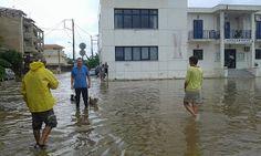 Paralia News- (Breaking News): Πλημμύρες και ανεμοστρόβιλοι σάρωσαν τη δυτική…