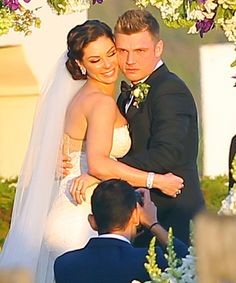 Backstreet Boys' Nick Carter is Married - Wedding Photos Here!: Photo Nick Carter shares a passionate kiss with Lauren Kitt after they became husband and wife during their wedding on Saturday (April in Santa Barbara, Calif. Celebrity Wedding Rings, Celebrity Couples, Celebrity Weddings, Backstreet Boys, Nick Carter, Carter Family, Blonde Boys, Famous Couples, Star Wedding