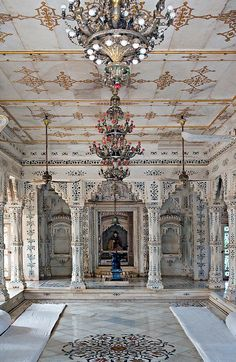 Palace interior, Shivpuri, Madhya Pradesh, India - You have to wonder for places so beautiful how can there be SO much poverty. It's seem to hold true for any nation any country. So sad. Indian Architecture, Architecture Details, Doors And Floors, Palace Interior, Incredible India, Amazing Destinations, Decor Interior Design, Art Forms, Bohemian Rug