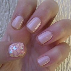 Adorable, I love that shade of pink and the heart sequins on the thumb!