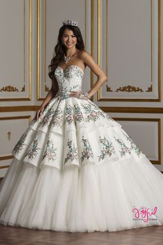The Quinceanera Collection offers elegant quinceanera dresses, 15 dresses, and vestidos de quinceanera! These pretty quince dresses are perfect for your party! Ball Gown Dresses, 15 Dresses, Elegant Dresses, Evening Dresses, Fashion Dresses, Elegant Ball Gowns, Corset Dresses, Dresses Dresses, Mexican Quinceanera Dresses