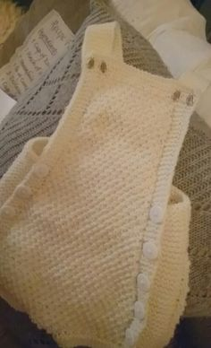 Fast knitted suit Knitting Projects, Burlap, Reusable Tote Bags, Suits, Fashion, Moda, Hessian Fabric, Fasion, Wedding Suits