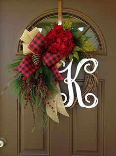 30 Best And Easy DIY Christmas Wreath To Make Your Guest Feeling Amaze - Christmas wreaths diy Diy Christmas Decorations For Home, Christmas Wreaths To Make, Holiday Wreaths, Holiday Decor, Winter Wreaths, Christmas Tree Jar, Rustic Christmas, Christmas Crafts, Grapevine Christmas
