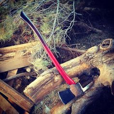 The Handle  The handle was rough......it's not anymore  @jonnytraber #axe #axejunkies #hatchet #custom #woodwork #fireaxe #fireman #firemen #fire #firewood #knifecommunity #edc #everydaycarry #pocketdump #knife #blade #bushcraft #camping #outdoors #outdoorgear #adventure #wildernessculture #finewoodworking de raven_customs