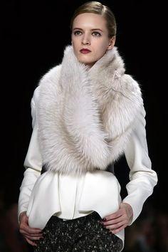 Carolina Herrera  110814 Fashion Mode, Fur Fashion, Runway Fashion, High Fashion, Fashion Looks, Womens Fashion, London Fashion, Style Work, My Style