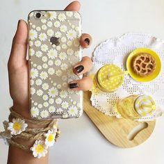 Feel free as the flowers Click on the link in our bio to shop more cases #iphone…