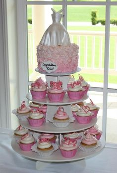 For bridal shower: cupcakes  6 cake, with gp wedding dress.