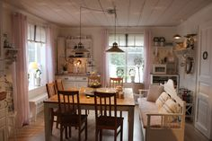 Shabby and Charming: The wonderful farm Frida in Sweden