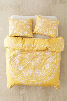 Shop Iris Sketched Floral Comforter at Urban Outfitters today. We carry all the latest styles, colors and brands for you to choose from right here. Room, Bed Comforters, Floral Comforter, Yellow Comforter, Bedroom Design, Diy Bedroom Decor, Bed, Yellow Room, Yellow Bedding