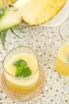 """9 reasons to drink pineapple for inflammation + a """"no more pain"""" juice recipe with turmeric.  www.all-about-juicing.com"""
