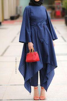 Kuwaiti Modest Wear Inspired bu Kuwaiti style, this se is very versatile. Kuwaiti Modest Wear Inspired bu Kuwaiti style, this se is very versatile. Kimono sleeves, hi Abaya Fashion, Muslim Fashion, Modest Fashion, Fashion Dresses, Modern Hijab Fashion, Iranian Women Fashion, Indian Fashion Trends, Kimono Fashion, Fashion Clothes