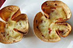 """Tortinha """"relâmpago"""" de Mandiokejo e tomate fresco"""