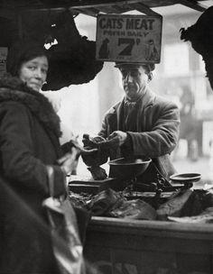 E.O. Hoppé, Cats Meat Seller, 1933