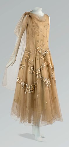 Love the ethereal quality and the detailing in the tulle and beading ~Madeleine Vionnet, 1931~