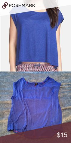 ☀️Oversized Tee ☀️Royal blue oversized tee with dolman cap sleeves and high-low hemline. Size XS/S but could fit up to a Medium. Excellent like new condition. Kensie Tops Tees - Short Sleeve
