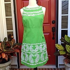 "Green Embroidered Lilly Pulitzer Shift This Lilly shift has front built in pockets. Bust 34"", waist is 30"" and length is 24 1/2 "". 100% cotton. Cute. Lilly Pulitzer Dresses"