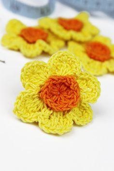 Crochet Daffodil 4pk Crochet Flowers Crochet Appliques by Woolipip
