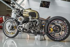 米国カスタムビルダーBOXER METALは、BMW命。 - LAWRENCE - Motorcycle x Cars + α = Your Life. Turbocharged Boxer.