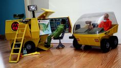 Joe Adventure Team - Mobile Support Vehicle with Guest (E., the Extraterrestrial) Vintage Toys 1970s, 1970s Toys, Retro Toys, Gi Joe, Childhood Toys, Childhood Memories, Big Blue Whale, Toy Soldiers, Classic Toys